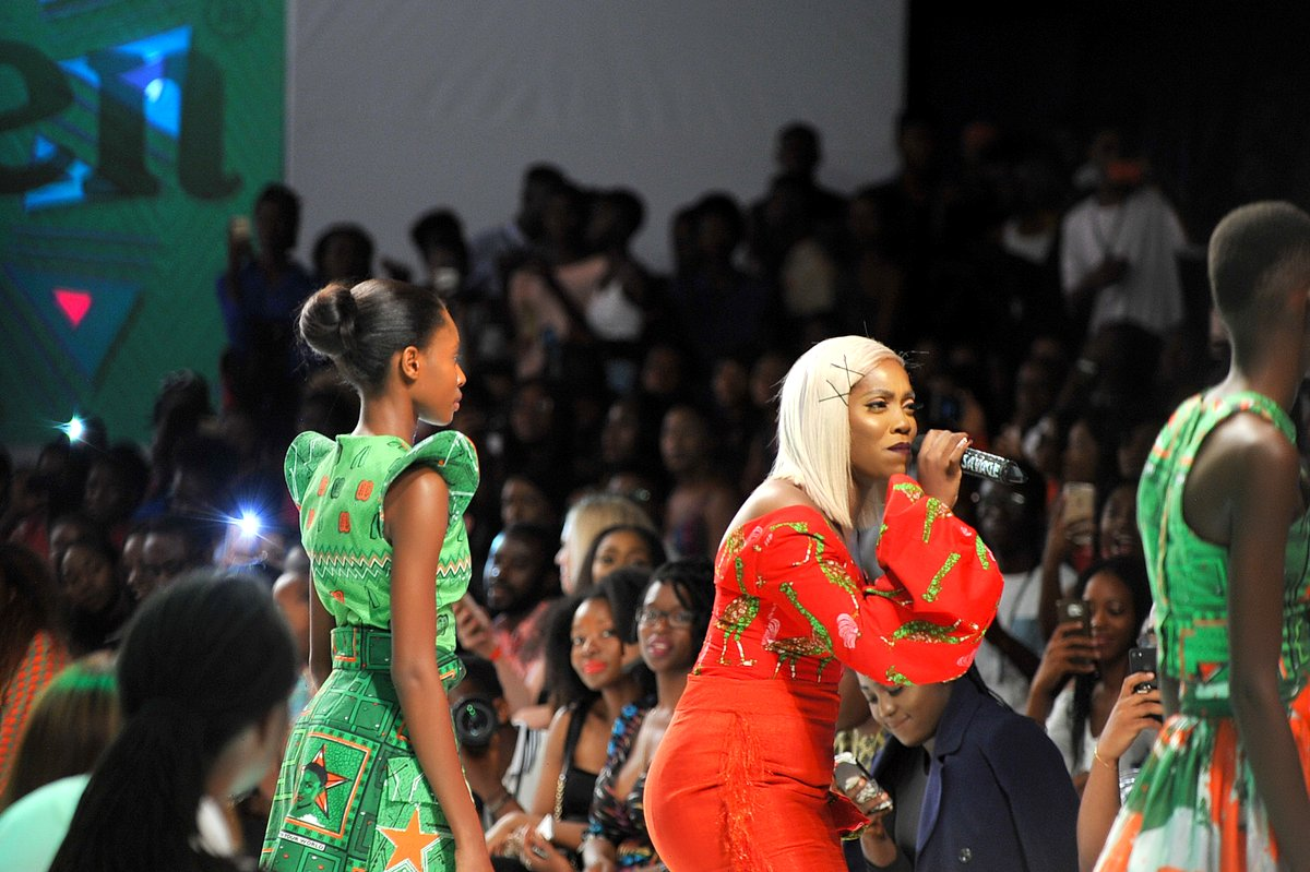 Tiwa Savage performing during the presentaion of the Africa Inspired Fashion by Heineken at the Heineken Lagos Fashion and Design Week 2017 003